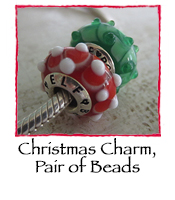 Christmas Charm, Pair of Beads