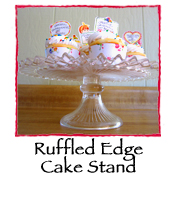 Ruffled Edge Cake Stand