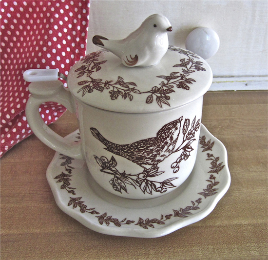 Brown Bird Teacup with Lid